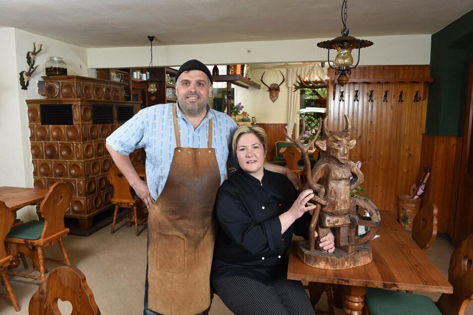 Anja Fischer und Rico Pommrich haben die Gaststätte Teufelsmühle vor fünf Jahren übernommen.