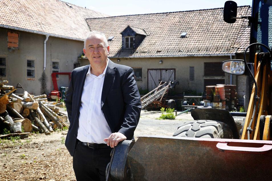 Hier ist noch viel zu tun, aber der Nebelschützer Bürgermeister Thomas Zschornak hat eine Vision. In die alten Rinderställe sollen junge kreative Unternehmen einziehen.