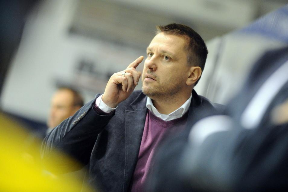 Dirk Rohrbach setzt als Geschäftsführer der Lausitzer Füchse in Weißwasser auf den Nachwuchs.