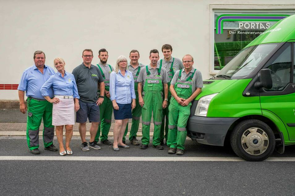 Das Team von Portas kümmert sich seit 45 Jahren um die Renovierungswünsche Ihrer Kunden.