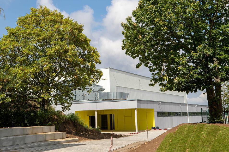 Die neue Dreifeldsport-Halle am Marienschacht in Bannewitz ist am 15. September eröffnet worden.