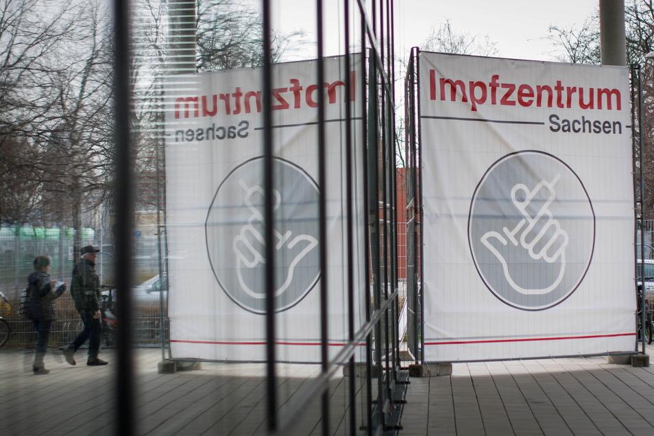 In Dresden sind mehr Menschen geimpft worden, als bisher bekannt waren.