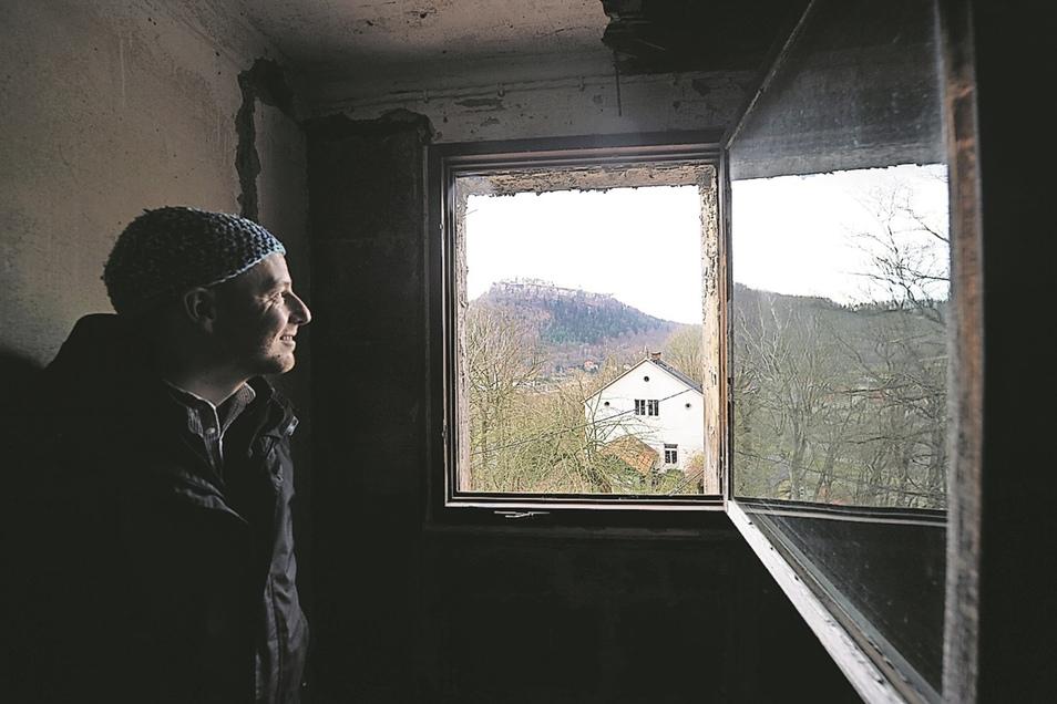 Das Paar will als Herbergseltern später eine Wohnung unterm Dach beziehen – unverbauter Blick auf die Festung Königstein inklusive.
