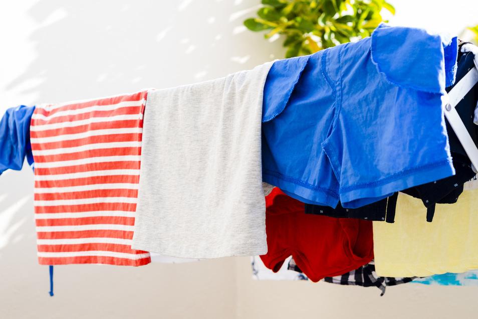 Frisch gewaschen und trotzdem müffelt sie noch immer: Sportbekleidung.