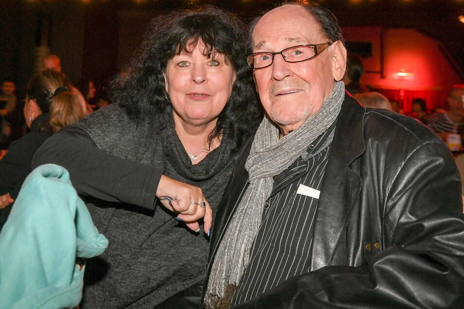Herbert Köfer und seine 39 Jahre jüngere Frau Heike, die mit ihm zuweilen auf der Bühne spielt.