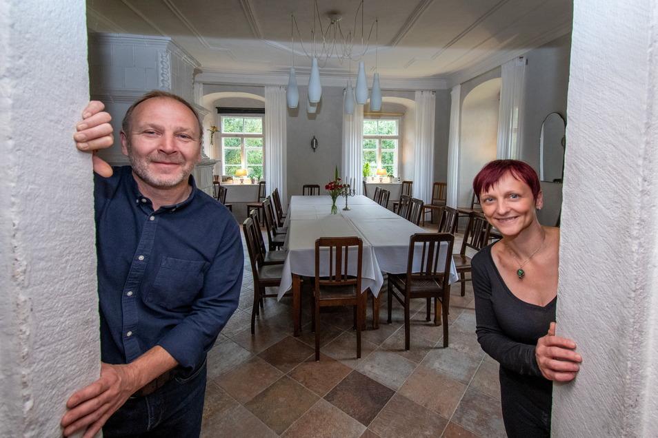 Thomas Schmidt und Diana Berger-Schmidt haben das Pfarrhaus in Wendishain zu einem Gästehaus umgebaut. Auch dafür ist Thomas Schmidt mit dem Denkmalpreis geehrt worden.