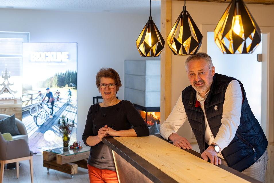 Die Kobär-Gasthofinhaber Andrea und Ralph Kappelt haben in der gästearmen Corona-Zeit ihr Haus zur radlerfreundlichen Herberge umgebaut.