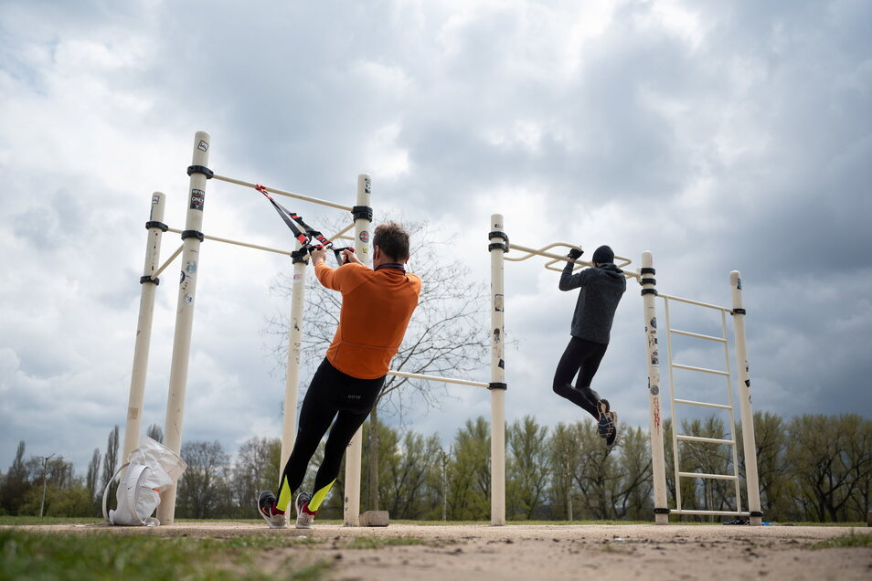 Beim kontaktlosen Sporttreiben im Freien gibt es laut der Gesellschaft für Aerosolforschung (GAeF) so gut wie keine Gefahr für Corona-Infektionen.