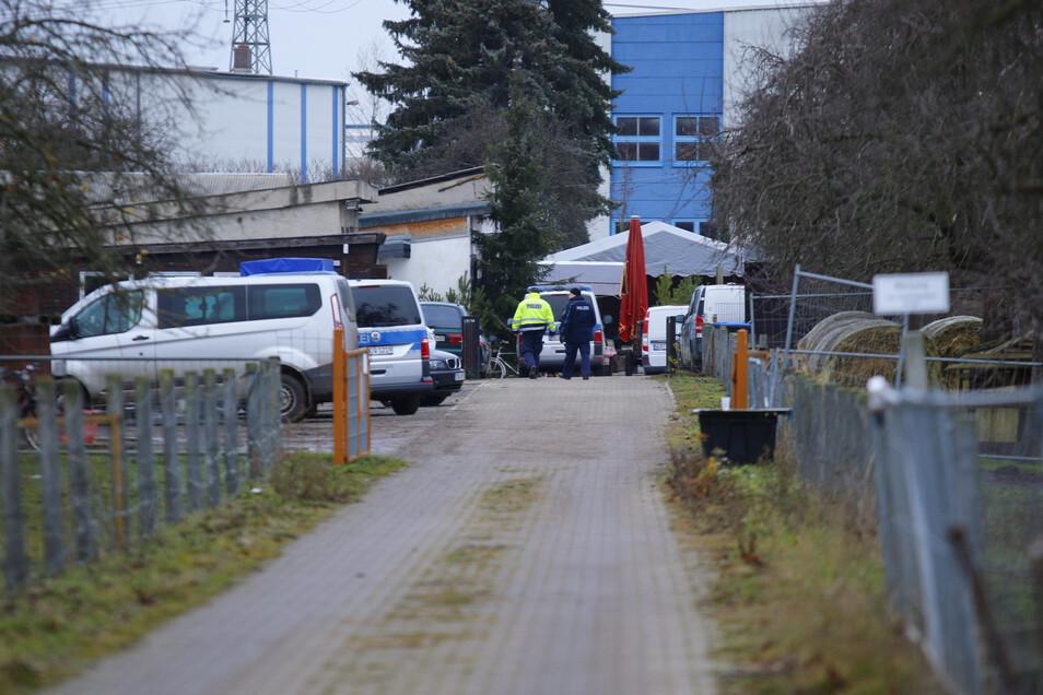 In Gerichshain, einem Ortsteil der sächsischen Gemeinde Machern, starben kurz vor Weihnachten zwei Männer in einem privaten Pool.