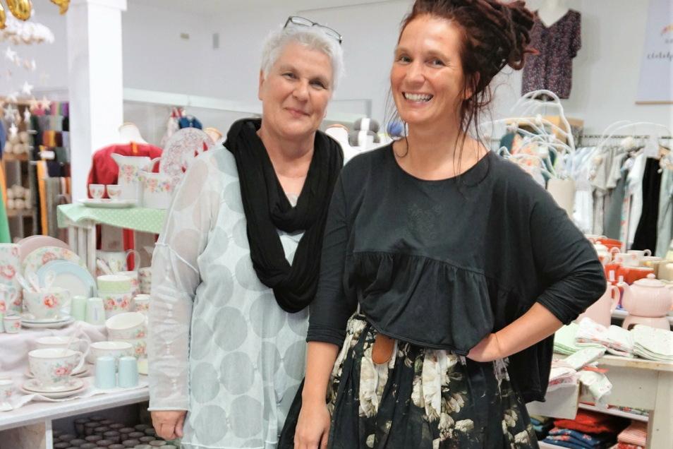 Ladeninhaberinnen Maria (l.) und Steffi Hacke: Wer kann, sollte den Service Click & Collect anbieten.