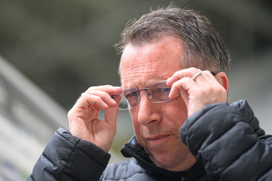 Dynamos Trainer Markus Kauczinski ist enttäuscht nach der 0:3 Niederlage gegen Halle. Jetzt hat der Verein ihn beurlaubt.