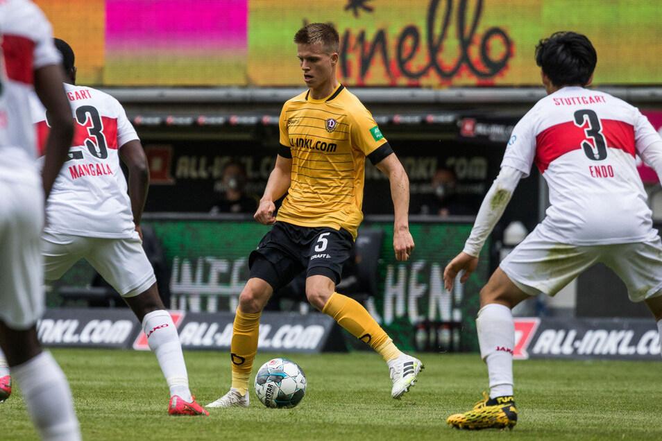 Gegen den VfB Stuttgart stand Dzenis Burnic am Pfingssonntag 90 Minuten auf dem Platz - das erste Mal seit dem 8. März.