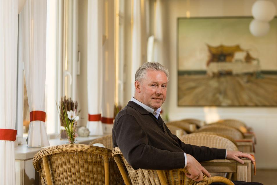 Ihr Amtsvorgänger Matthias Olgivie, Hotelier in Lohme, ist da skeptischer.