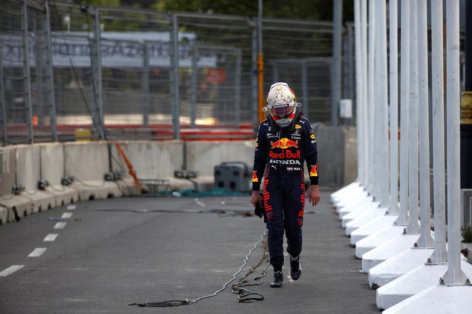 Max Verstappen verlässt die Rennstrecke