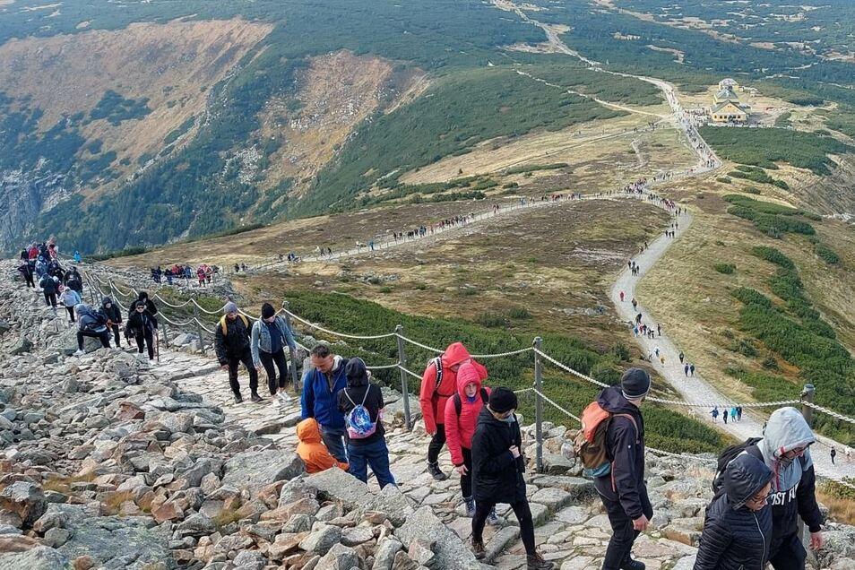 Völkerwanderung zur Schneekoppe – das sorgte letztes Jahr für Schlagzeilen im Riesengebirge und darüber hinaus.
