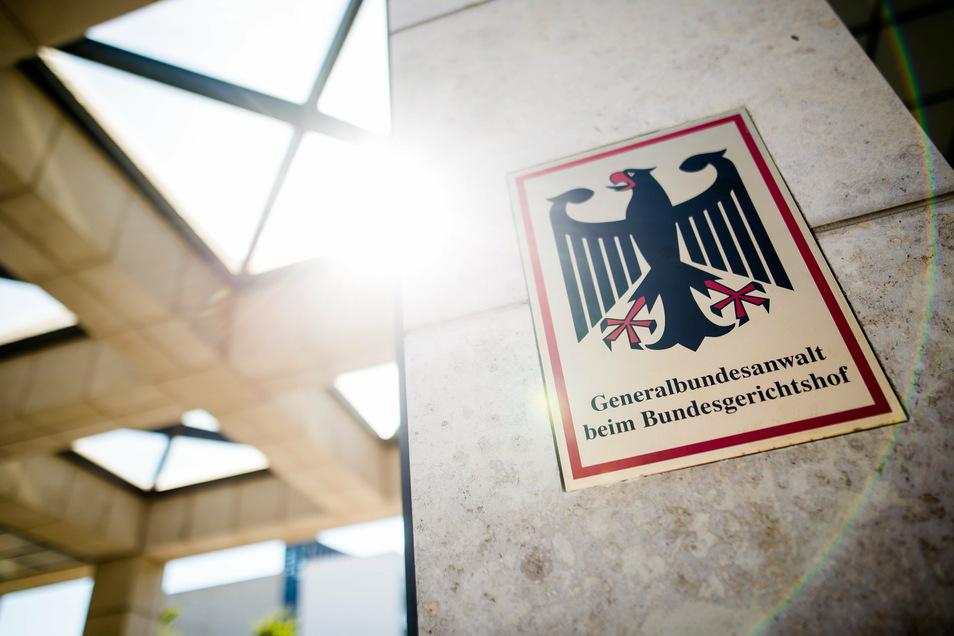 Wegen des Verdachts auf Mitgliedschaft in einer kriminellen Vereinigung wurde am Freitag in Leipzig eine Frau verhaftet.