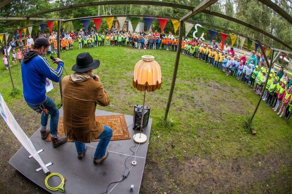 Die Veranstaltung im Kühlhaus Görlitz war gut besucht. Rund 160 Kinder aus fünf deutschen und fünf polnischen Kitas feierten am Weltkindertag gemeinsam.