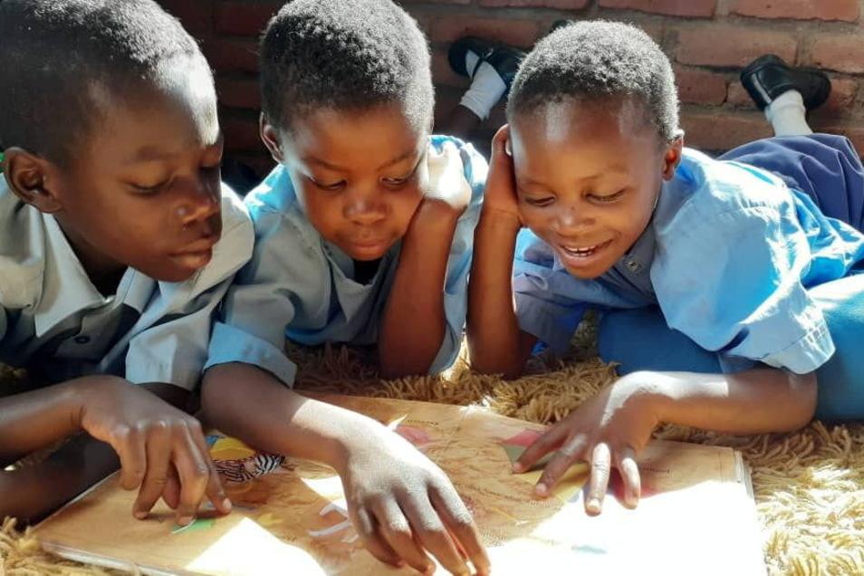 Über 100 Waisenkinder finden im Kinderdorf Kondanani ein sicheres Zuhause. Dieses Foto entstand während eines Besuchs der Vereinsvorsitzenden Sarah Stolle in dem südostafrikanischen Land.