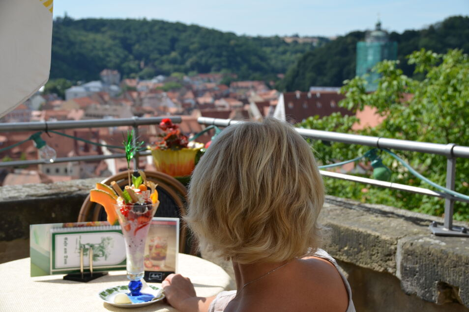 Im Café am Dom gibt es den Ausblick inklusive