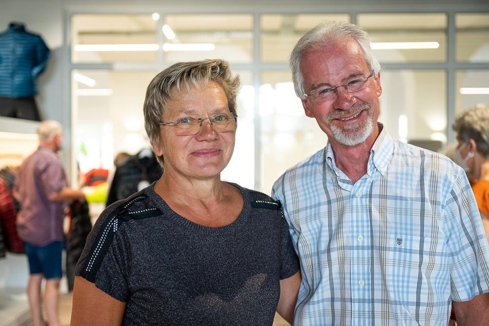 Angelika und Frank Brockwitz aus Görlitz freuen sich über den neuen Standort für die Schlafsack-Produktion.