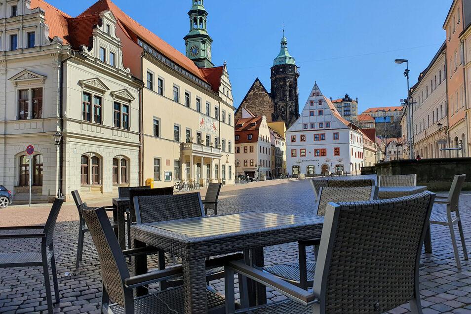 Pirnaer Rathaus mit Bürgerbüro: Offene Rechnungen können jetzt einfacher beglichen werden.