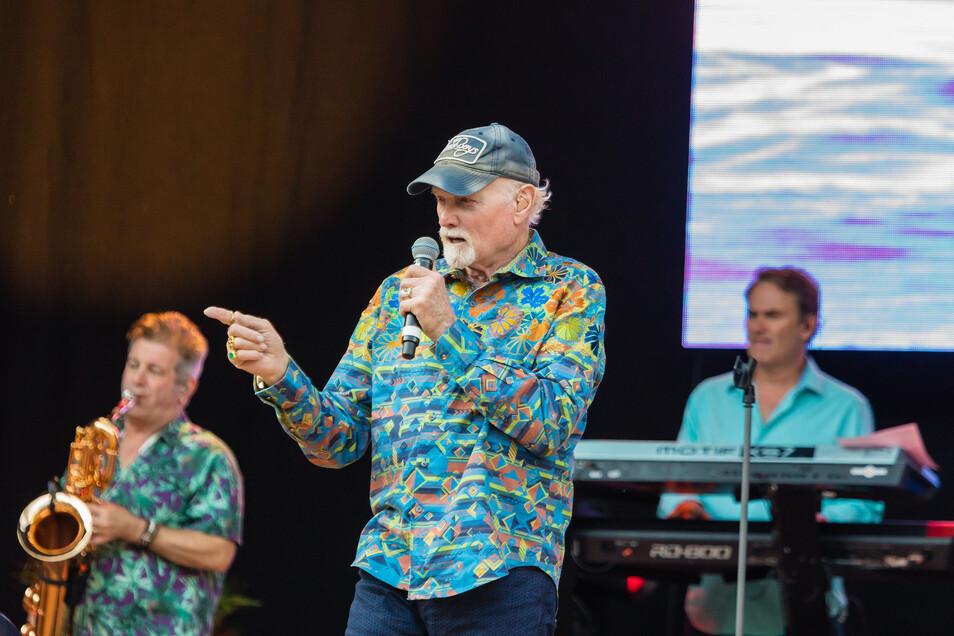 Beim Konzert in Dresden spielten die Beach Boys auch Hits diverser Kollegen.