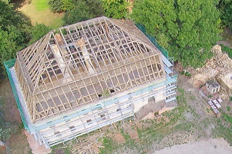 So sah das Dach noch im Sommer letzten Jahres aus.