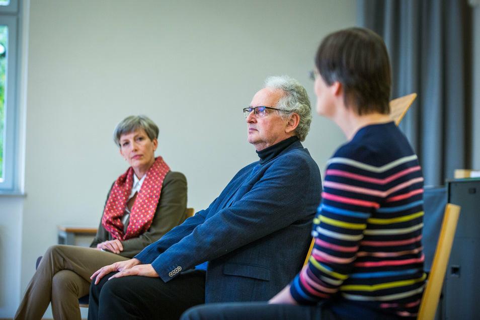 Chor-Sprecherin Nina Bewerunge, Kreuzkantor Roderich Kreile und Alumnatsleiterin Martina Schellhorn machten den Vorfall öffentlich.