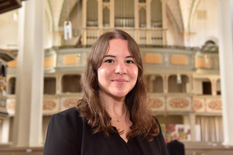 Die 29-jährige Luisa-Maria Râpã ist die neue Kirchenmusikdirektorin im Kirchenbezirk Freiberg.