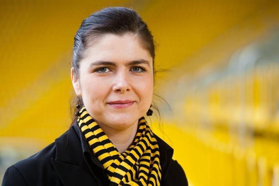 Katrin Köhler: Kann sich das Datum ihres ersten Arbeitstages besonders gut merken: 1.11.2011. Leitet bei Dynamo die Geschäftsstellenorganisation sowie die Mitgliederabteilung.