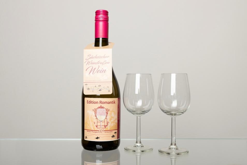 Sachsens erster Weinstraßenwein ist eine Symbiose aus den Reben Müller-Thurgau und Scheurebe.