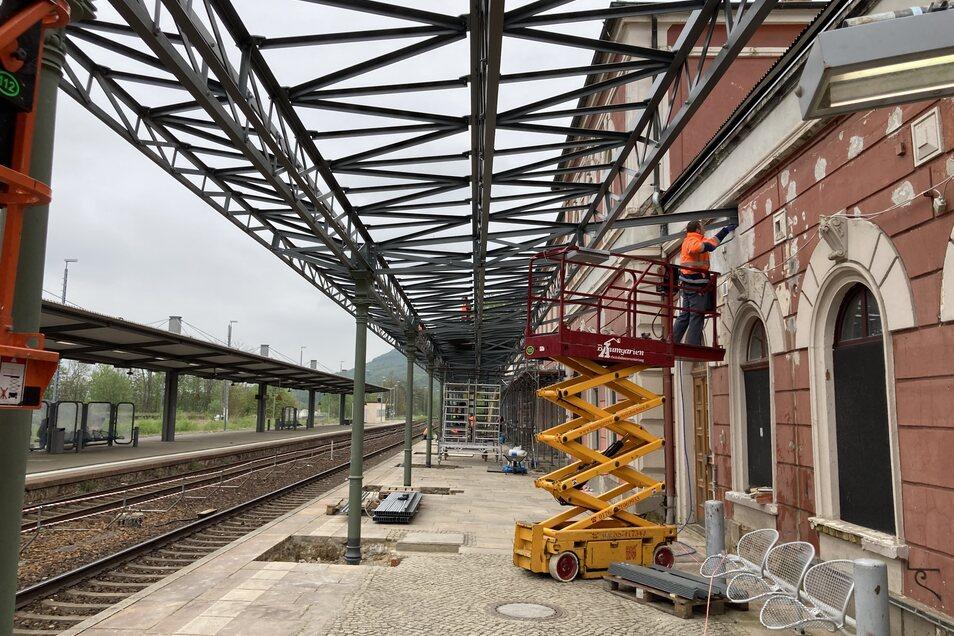 Die Bauarbeiten am Bahnsteig 1 in Löbau.