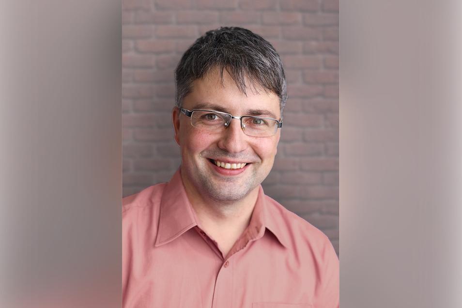Cornelius Stempel ist zum neuen Bürgermeister von Oderwitz gewählt worden. Der 1979 Geborene ist verheiratet und Vater von drei Kindern.