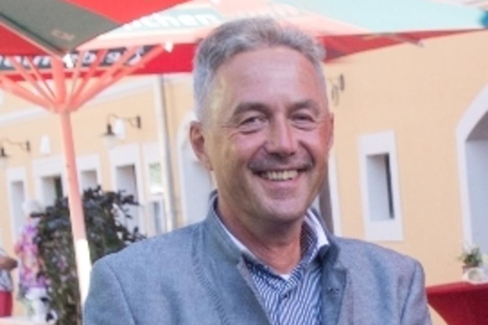 Arbeitsstunden wären eine weitere Finanzierungsmöglichkeit für die eine Hälfte des Geldes: Bürgermeister Jochen Reinicke.