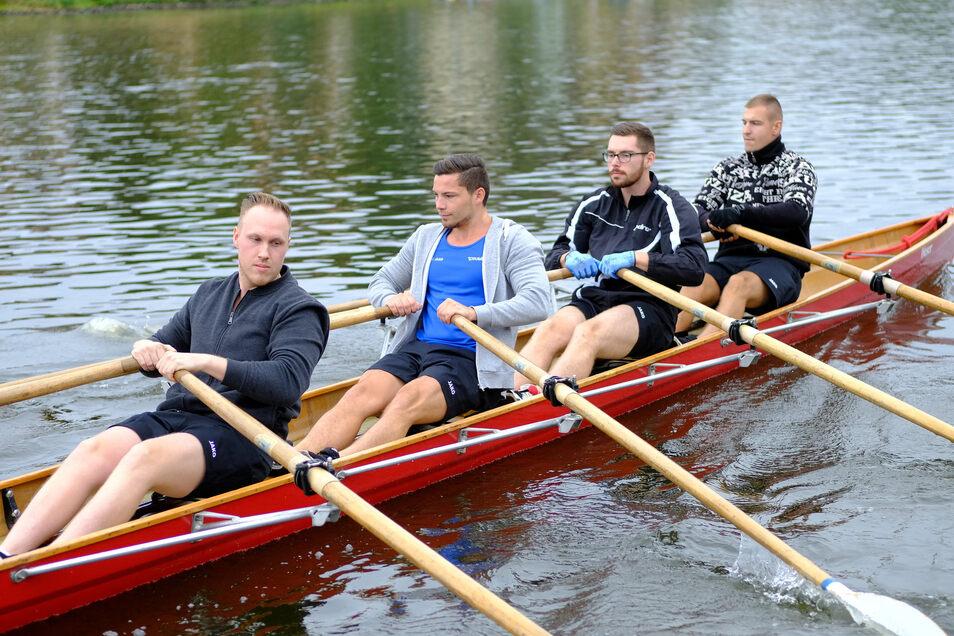 """18 Amateurteams - hier das Team der Meißner Stadtwerke - nahmen an dem Rennen um den Wanderpokal, gestaltet von Kay """"Leo"""" Leonhardt teil."""