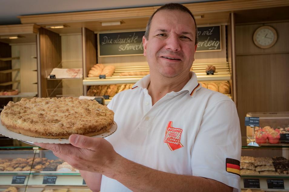 Bäckermeister Roland Ermer kandidiert bei der Bundestagswahl im Herbst für die CDU. Mehr als zehn Jahre kämpfte der parteilose Präsident des Sächsischen Handwerkstags dafür, dass nicht nur seine Zunft viel vom Kuchen abbekam.