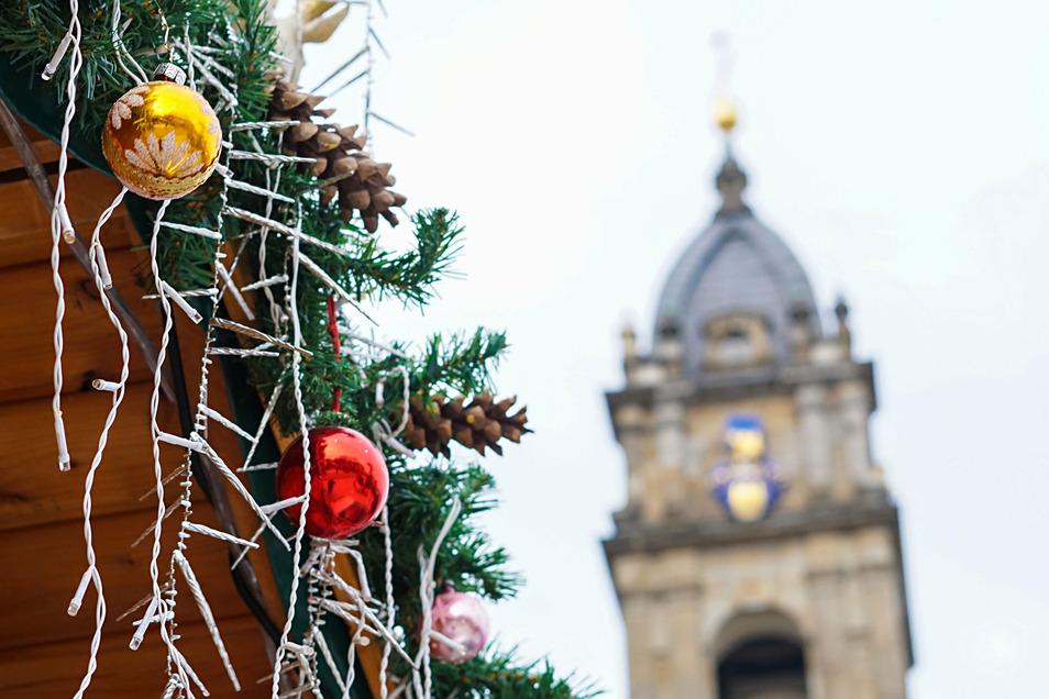 Bautzens Wenzelsmarkt soll eine neue Märchenhütte bekommen. Die sorgte im Finanzausschuss des Stadtrates für eine Kontroverse.