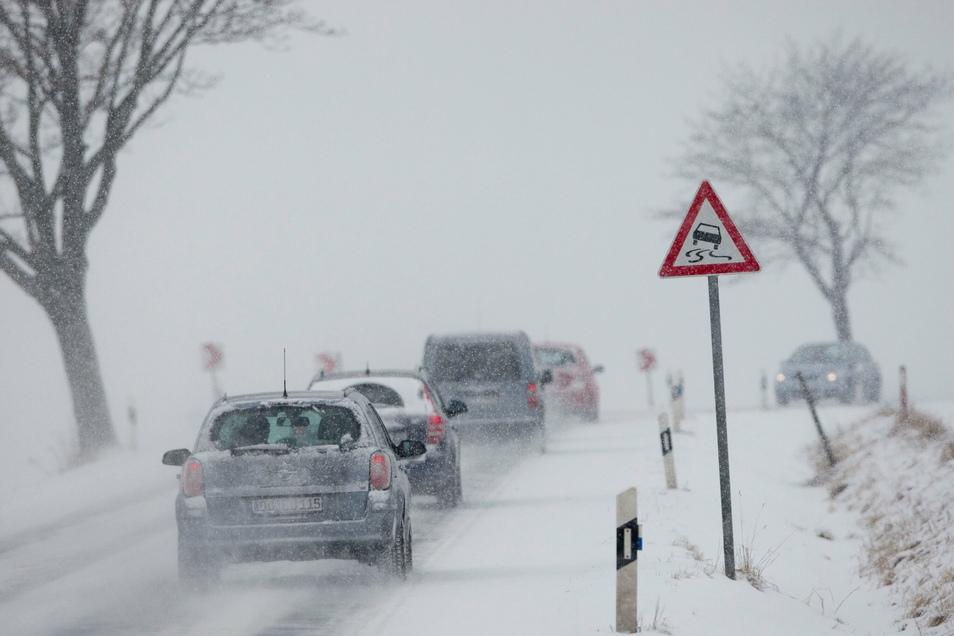 Symbolfoto: Glätte war die Ursache für einen Unfall am Mittwochmorgen zwischen Hartha und Geringswalde.