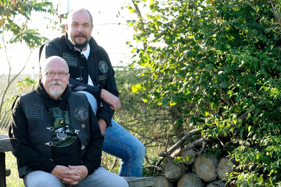 Ingo Kaiser (vorne) und Olaf Siftar haben immer ein offenes Ohr und sich schon schreckliche Geschichten angehört.