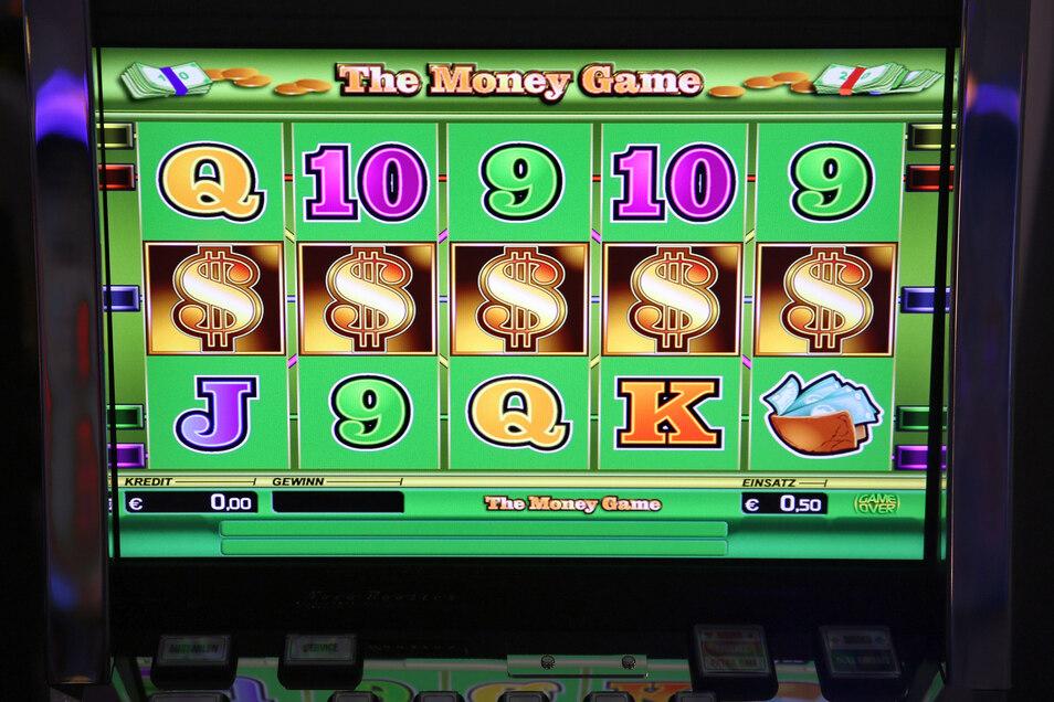 Ein Anblick, der in Spielsüchtigen viel auslöst: Der Bildschirm eines Spielautomaten.