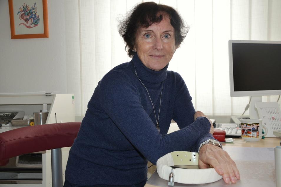 Dr. Manuela Kinscher geht nach fast 40 Jahren in den Ruhestand. Ihre vielen Patienten müssen sich nun einen neuen HNO-Arzt suchen.