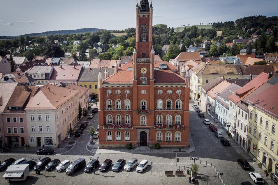 Das Kamenzer Rathaus gehört zu den Sehenswürdigkeiten, die im Stadtführer von Kindern für Kinder beschrieben werden.