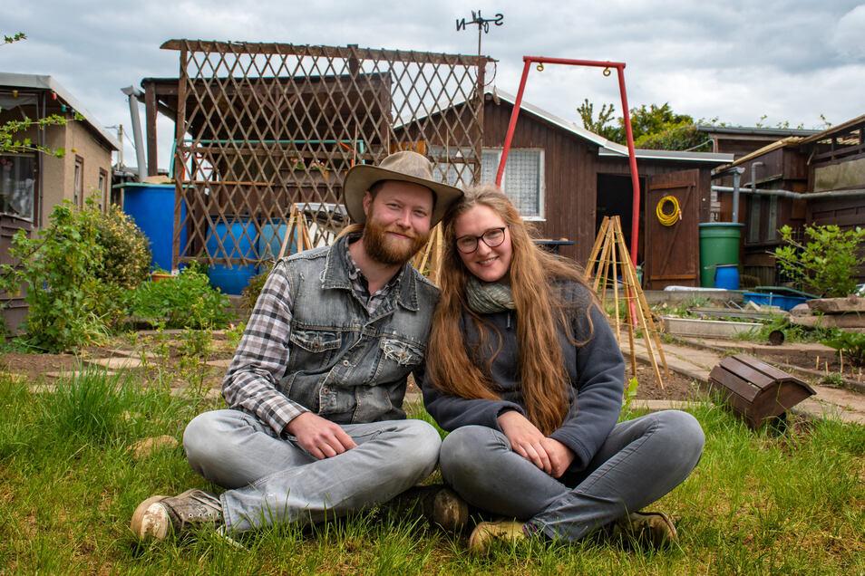 Eyk und Linda Fechner haben einen Garten auf dem Wachberg in Waldheim übernommen. Die Parzelle war vorher über ein Jahr ungenutzt.