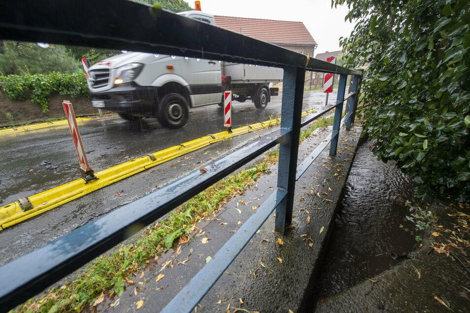 Wie die gesamte Steinbacher Dorfstraße ist auch die Brücke über den Bindebach schon lange ein Sanierungsfall.