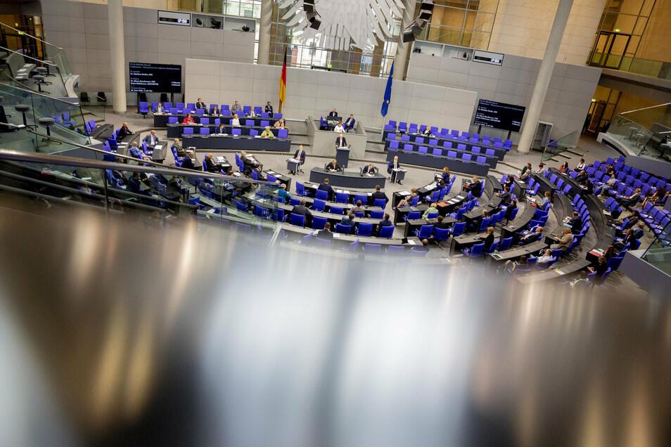 Wer zieht im Land- und Wahlkreis Meißen direkt in den Bundestag ein? Für die AfD konnte sich Barbara Lenk nach mehreren Wahlgängen durchsetzen.