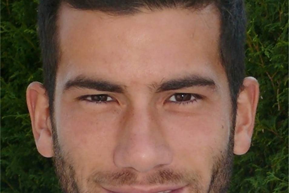 Nummer 14, Dimitrios Komnos (25), Abwehr, Griechenland
