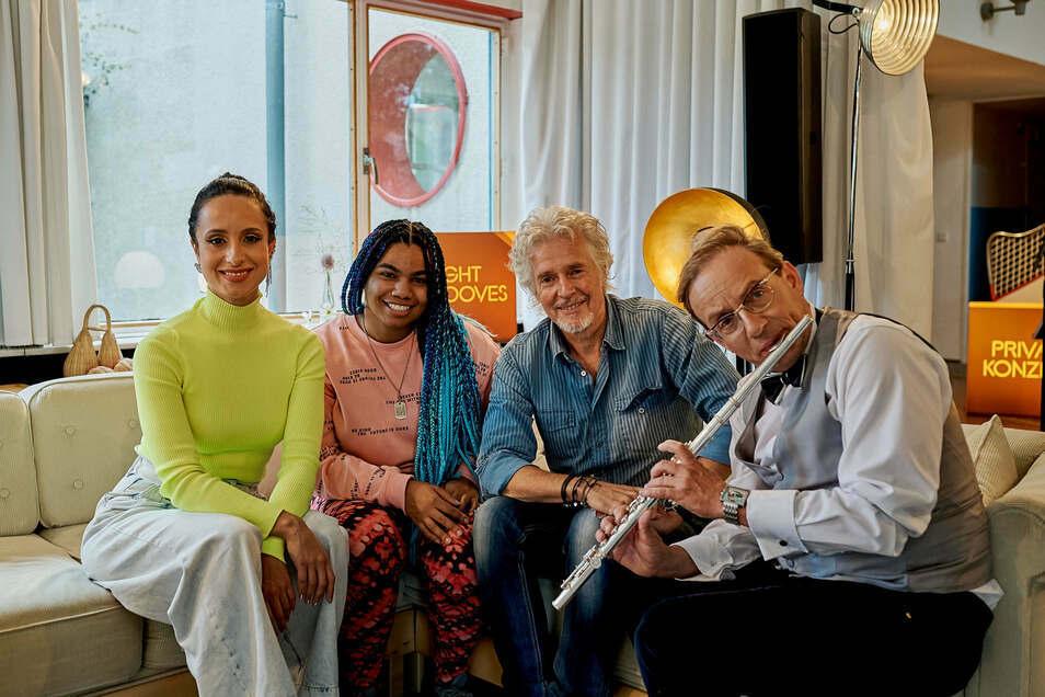 Auf der Schminke-Couch: Stephanie Stumph, Wé McDonald, Frank Schätzing, Wigald Boning.