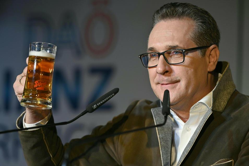"""""""B'soffene G'schicht"""". So bezeichnet Strache den für ihn verhängnisvollen Ibiza-Abend in seinen Wahlkampfreden."""