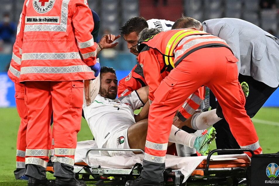 Italiens Leonardo Spinazzola wurde bei der Partie gegen Belgien in München verletzt vom Platz getragen.