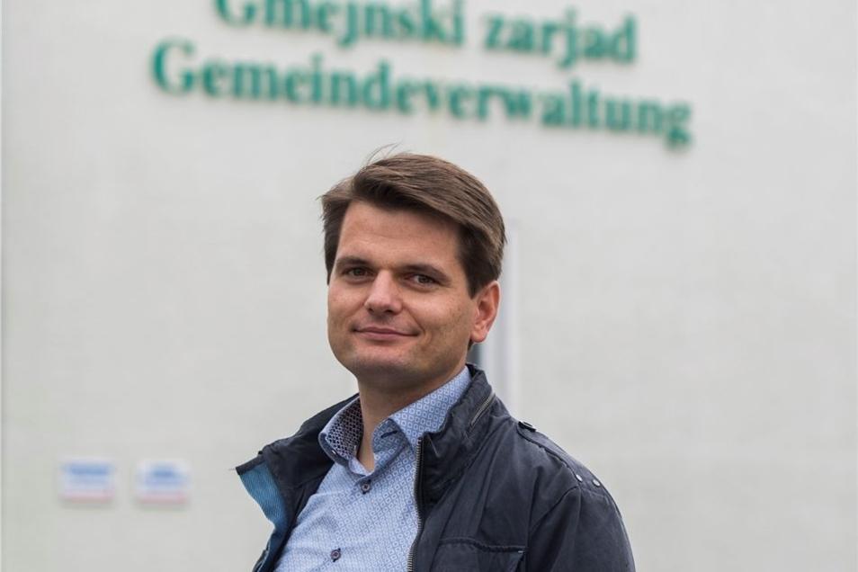 """Glaube und Tradition seien die moralischen Pfeiler der Sorben, sagt Marco Klimann, CDU-Bürgermeister von Crostwitz. """"Insofern kann man denen von AfD und Pegida nur zurufen: Geht mal in die Kirche, dann gibt sich das schon mit eurem Werteverlust."""""""